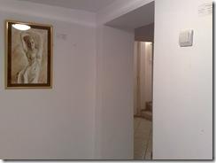 Un nud pictat cu cafea expus la Elite prof Art Gallery