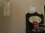 Doua nuduri si alte picturi facute cu cafea la expozitie la Home Cafe