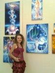 Artista Corina Chirila si cateva tablouri de vis la parlament