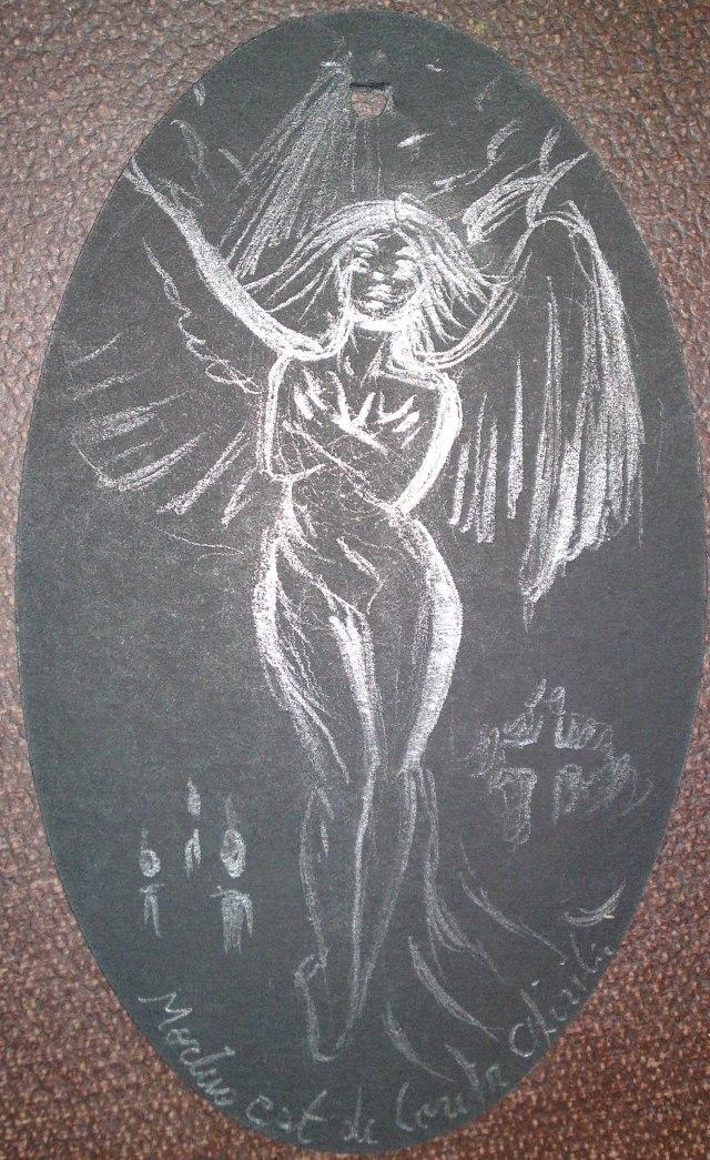 Desen inspirat din poezia Mortua est facut pe o eticheta de imbracaminte