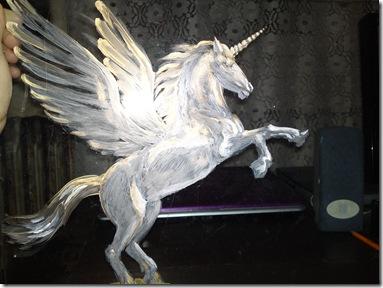 PegasusAcryliconglasspaintingworkinprogressPegaspicturapesticlainlucru_thumb.jpg
