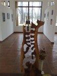 Structura biologica sculptura lui Mihai Boroiu si picturi de Corina Chirila cu teme eminesciene la galeria AAP Herastrau