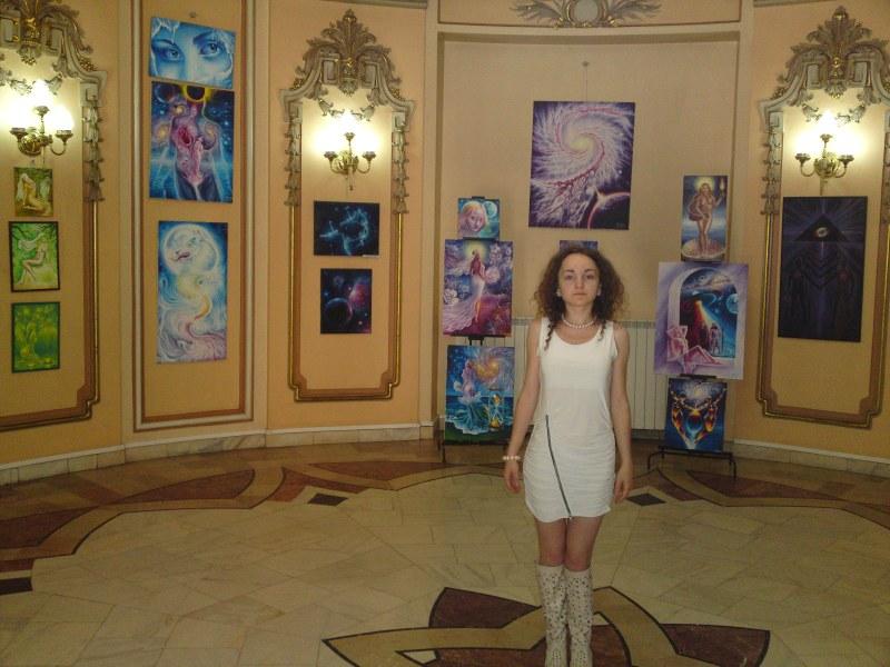 Artista Corina Chirila - Expozitie personala la Cercul Militar National sala ronda