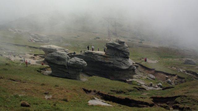 Sfinxul mai mic si mai putin cunoscut situat langa Sarutul Babelor