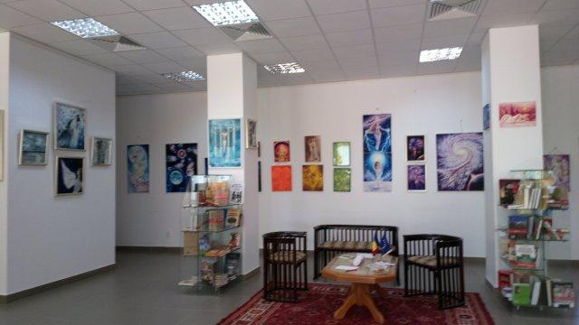 Expozitie de pictura la Centrul Cultural European sector 6 Biblioteca culturala Picturi de Corina Chirila si Ioana Dascalu