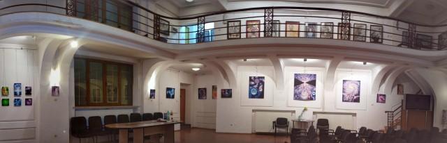 """Expozitia """"De la microcosmos la macrocosmos"""" de la Galeria Irecson"""