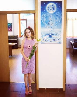 Artista Corina Chirila la Centrul Cultural Mihai Eminescu Calderon